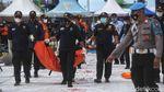Lagi, Basarnas Terima 1 Kantong Baju-Serpihan Sriwijaya Air