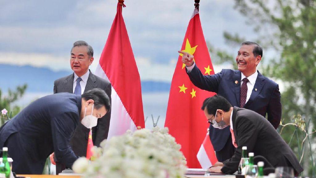 Luhut Beberkan China Diajak Garap Kereta Cepat ke Surabaya