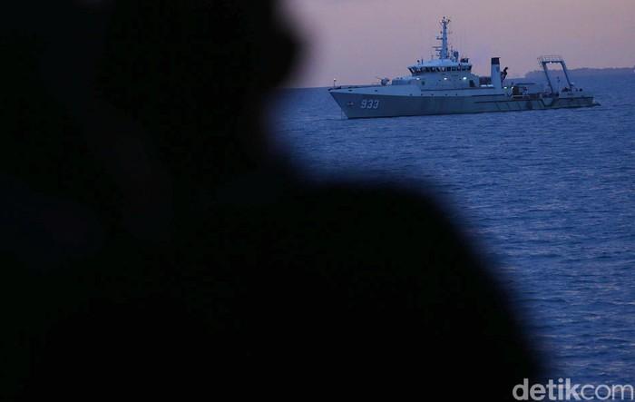 Pencarian pesawat Sriwijaya Air SJ182 yang jatuh di perairan Kepulauan Seribu, Jakarta Utara, kembali dilanjutkan. Ini merupakan hari ke-4 pencarian pesawat tersebut.
