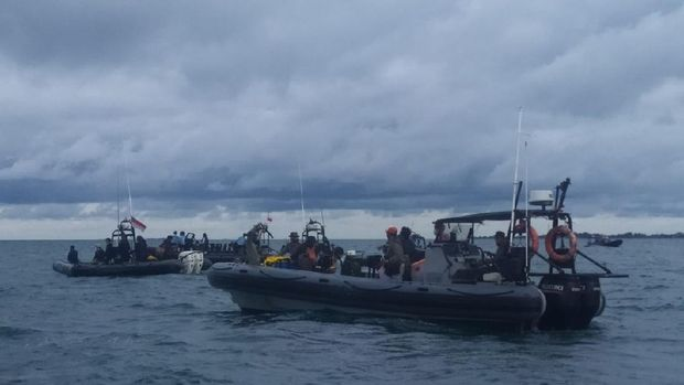 Proses Pencarian Pesawat Sriwijaya Air SJ182 di Perairan Kepulauan Seribu