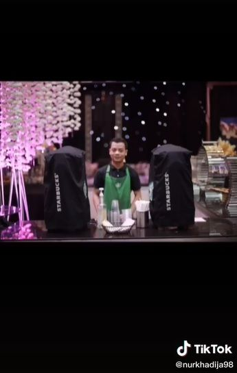 Pengantin Sediakan Starbucks hingga Live Kitchen Pizza