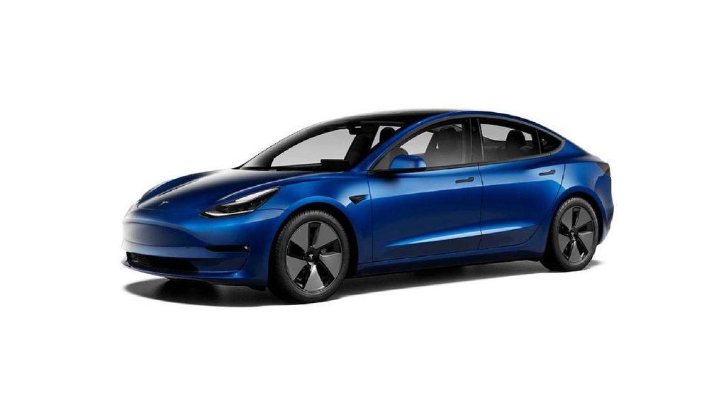 Duh! Ground Clearence Rendah, Tesla Model 3 di India Mentok Polisi Tidur