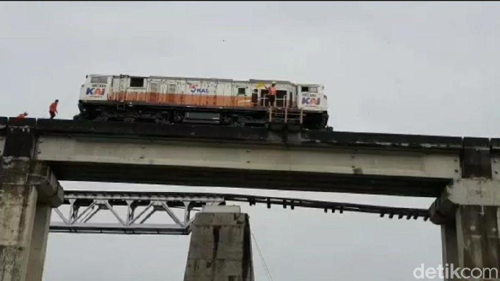 Sempat Terdampak Jembatan Putus, Perjalanan KA Lewati Brebes Kembali Lancar