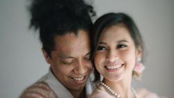 Indah Permatasari Menikah dengan Arie Kriting Lewat Izin Sang Ayah