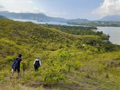 Bukit Yomokho Berlatar Danau Sentani, Punya Jejak Prasejarah