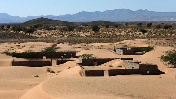 Namanya desa ini adalah Wadi Al-Murr, sebuah desa yang dulunya terkubur di Oman.