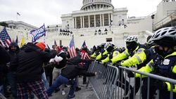 Pejabat AS Ditangkap Terkait Rusuh Massa Trump di Capitol