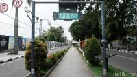 Salah satu pedestrian di Kota Bandung menarik media Asia bernama seasia.co, dalam postingan media sosialnya ia membubuhi gambar Palestine Walk yang ada di Kota Bandung dan Jalan Palestine di Malaysia.