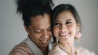 Beda Pesan Ayah dan Ibu Indah Permatasari untuk Arie Kriting
