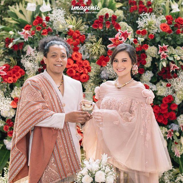 Pernikahan Indah Permatasari dan Arie Kriting