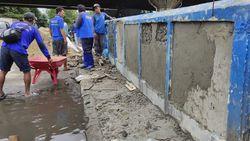 Jalan Martadinata Ancol Masih Banjir, Jembatan Lodan Ditambal Pakai Semen