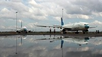 Hal tersebut tercantum dalam Surat Edaran (SE) Kementerian Perhubungan Nomor 3 Tahun 2021 tentang Petunjuk Pelaksana Perjalanan Orang Dalam Negeri dengan Transportasi Udara dalam Masa Pandemi COVID-19. ANTARA FOTO/Muhammad Iqbal