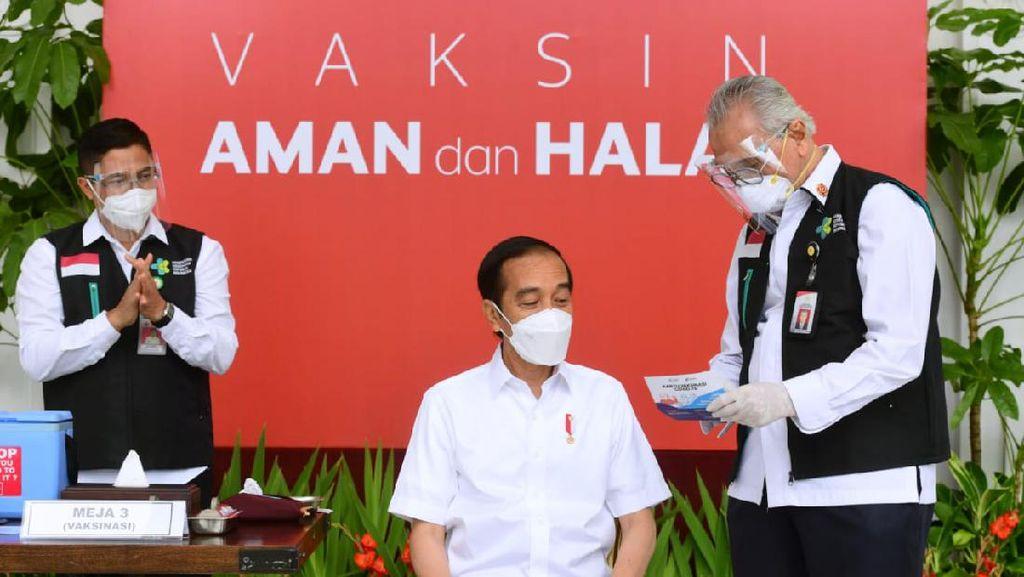 Keluarga Jokowi Disebut Tak Masuk Prioritas Vaksin COVID-19