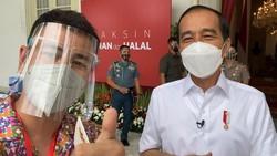 Raffi Ahmad Dapat Suntikan Kedua Vaksin COVID-19 Bareng Jokowi