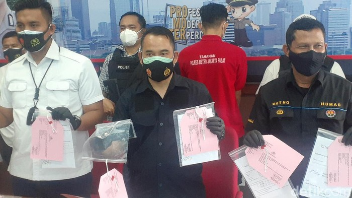 Rilis kasus surat tes swab antigen palsu di Polres Jakpus