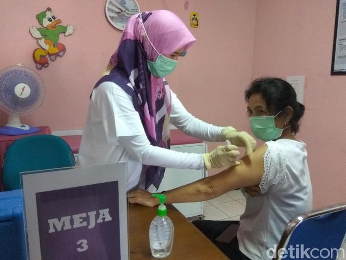 Simulasi vaksinasi COVID-19 di Kota Cimahi