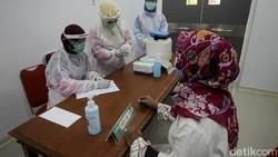 Kota Yogyakarta dan Sleman menjadi daerah prioritas penerima vaksin COVID-19. Rencananya proses vaksinasi di Yogyakarta akan digelar pada Kamis (14/1) besok.
