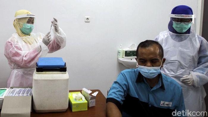Kota Yogyakarta dan Sleman jadi daerah prioritas penerima vaksin COVID-19. Rencananya proses vaksinasi di Yogyakarta akan digelar pada Kamis (14/1) depan.