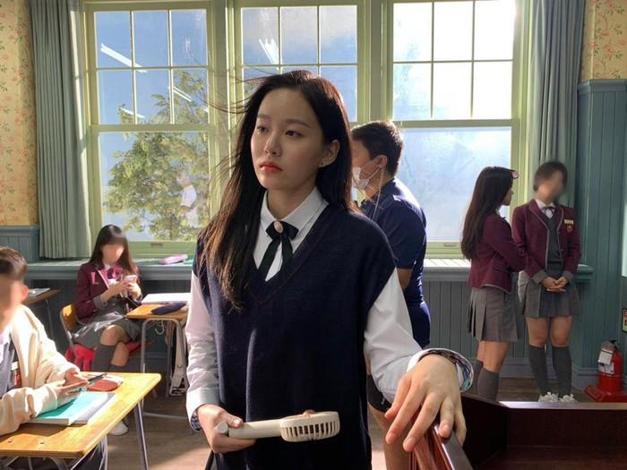 Park Yoo Na jadi salah satu aktris drama Korea True Beauty yang kini makin populer. Potret cantiknya benar-benar nggak ngebosenin buat dilihat!
