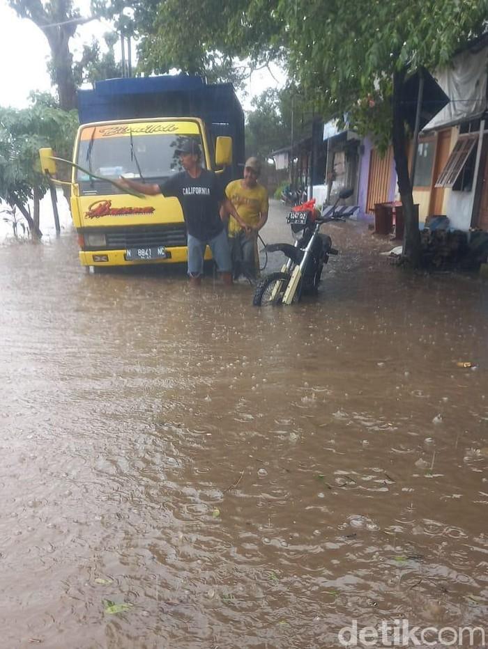 7 Desa di Jember Tergenang Banjir Hingga 1 Meter
