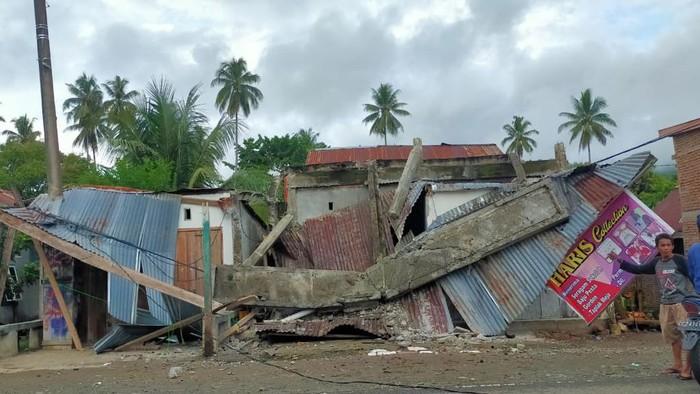 Foto dampak gempa di majene Sulbar