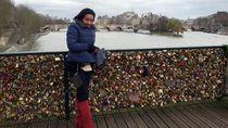 Kugembok Cintaku di Kota Paris