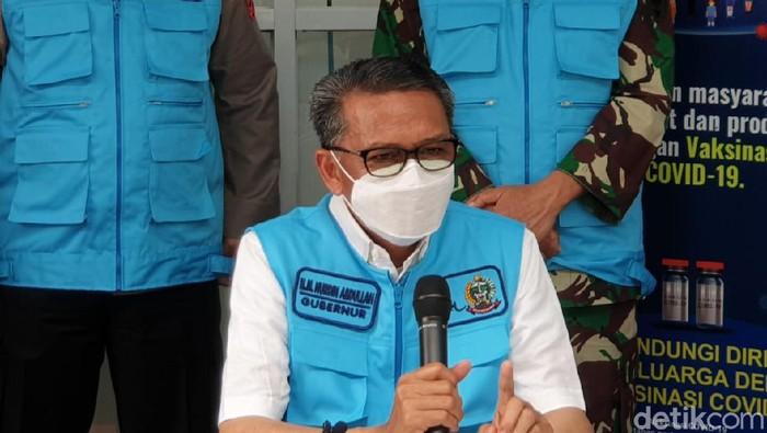Gubernur Sulsel Nurdin Abdullah beri keterangan batal divaksin COVID (dok. Istimewa).