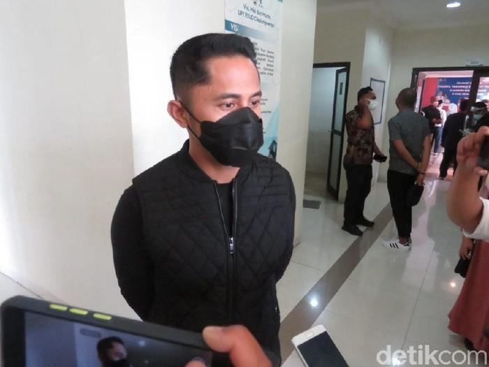 Hengky Kurniawan punya pesan untuk penerima vaksinasi COVID-19 di Bandung Barat