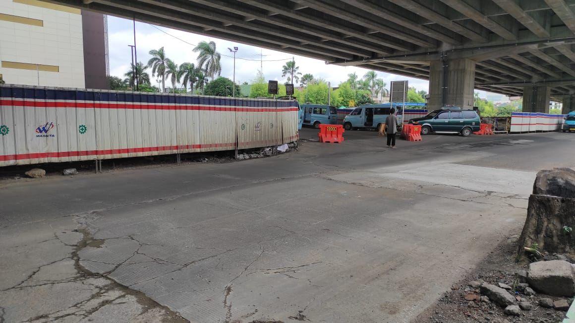 Jalan KH Noer Ali, seberang Metropolitan Mall Bekasi yang dulu rusak, kini selesai diperbaiki.