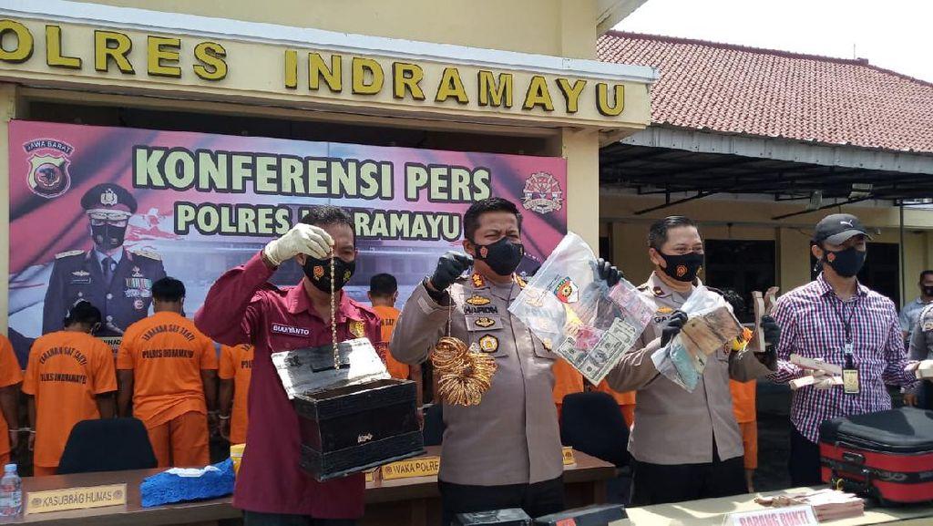 Aksi Pengedar Uang Palsu Terbongkar Saat Beli Minuman di Indramayu