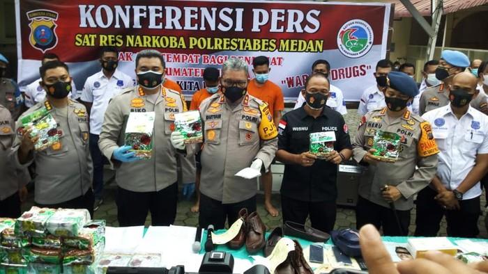 Konferensi Pers di RS Bhayangkara Medan (Datuk-detikcom)
