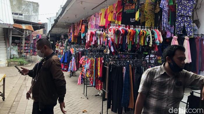 Lokasi 2 emak-emak terekam CCTV curi rokok di Pasar Gotong Royong, Probolinggo.