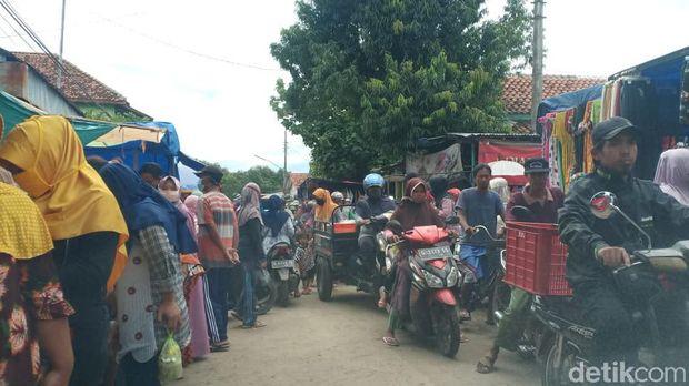Pasar tiban Kecamatan Jatibarang, Brebes, Kamis (14/1/2021).