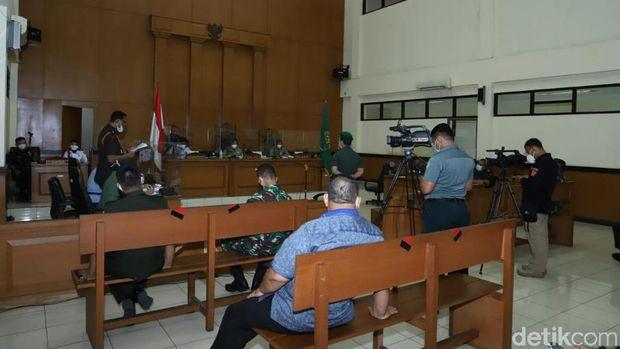 Sidang perdana kasus Prada Ilham sebar kabar bohong hingga picu perusakan Polsek Ciracas (Ibnu Hariyanto/detikcom)