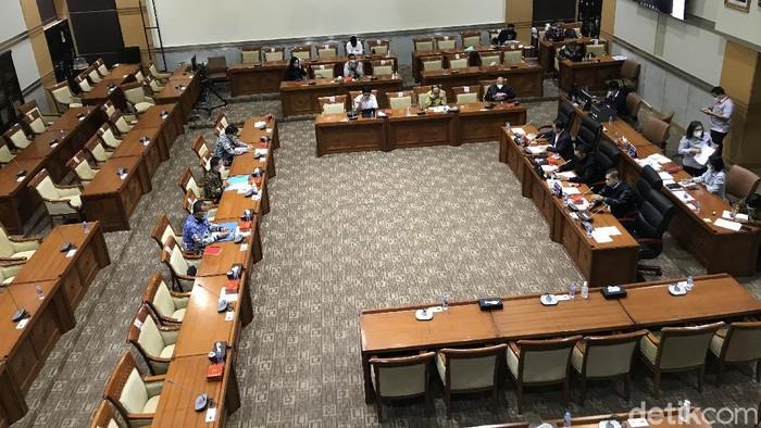 Suasana ruang Komisi III DPR sebelum rapat bersama PPATK dinyatakan tertutup (Rolando/detikcom).