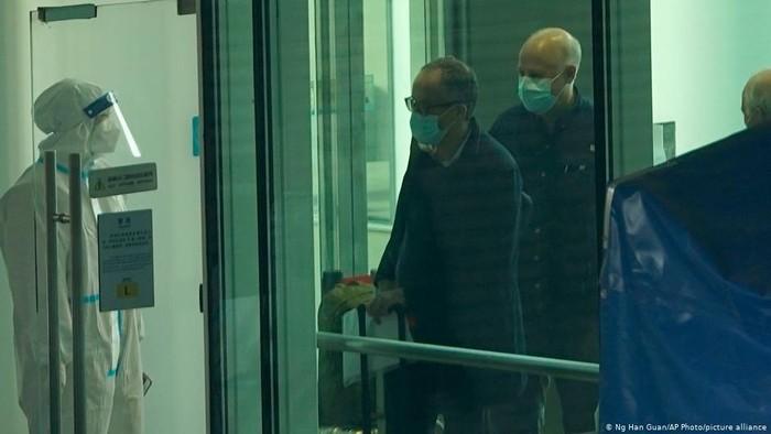 Tim Ahli WHO Tiba di Wuhan, Sementara Cina Kembali Laporkan Kematian Baru COVID-19