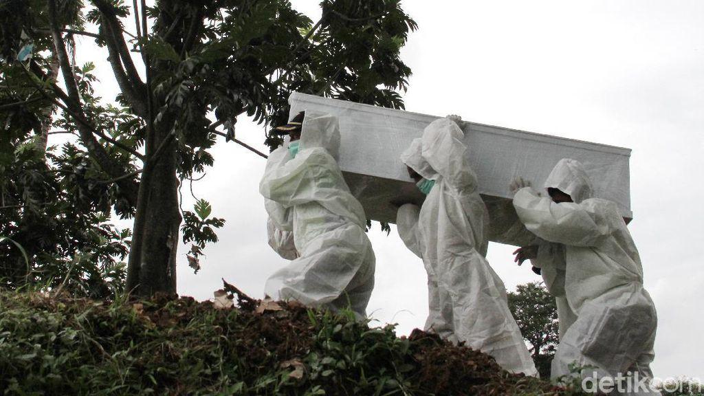 Ragam Alasan Corona Meningkat di Ibu Kota Meski Pembatasan Diperketat