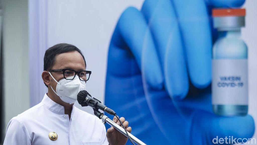 Bahas COVID, Kenapa Jokowi Cuma Panggil Bima Arya?