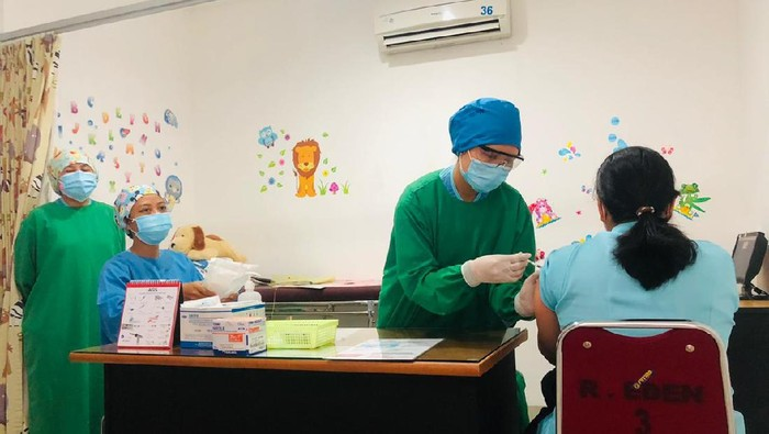 Vaksinasi COVID-19 di Solo dimulai Kamis (14/1/2021)