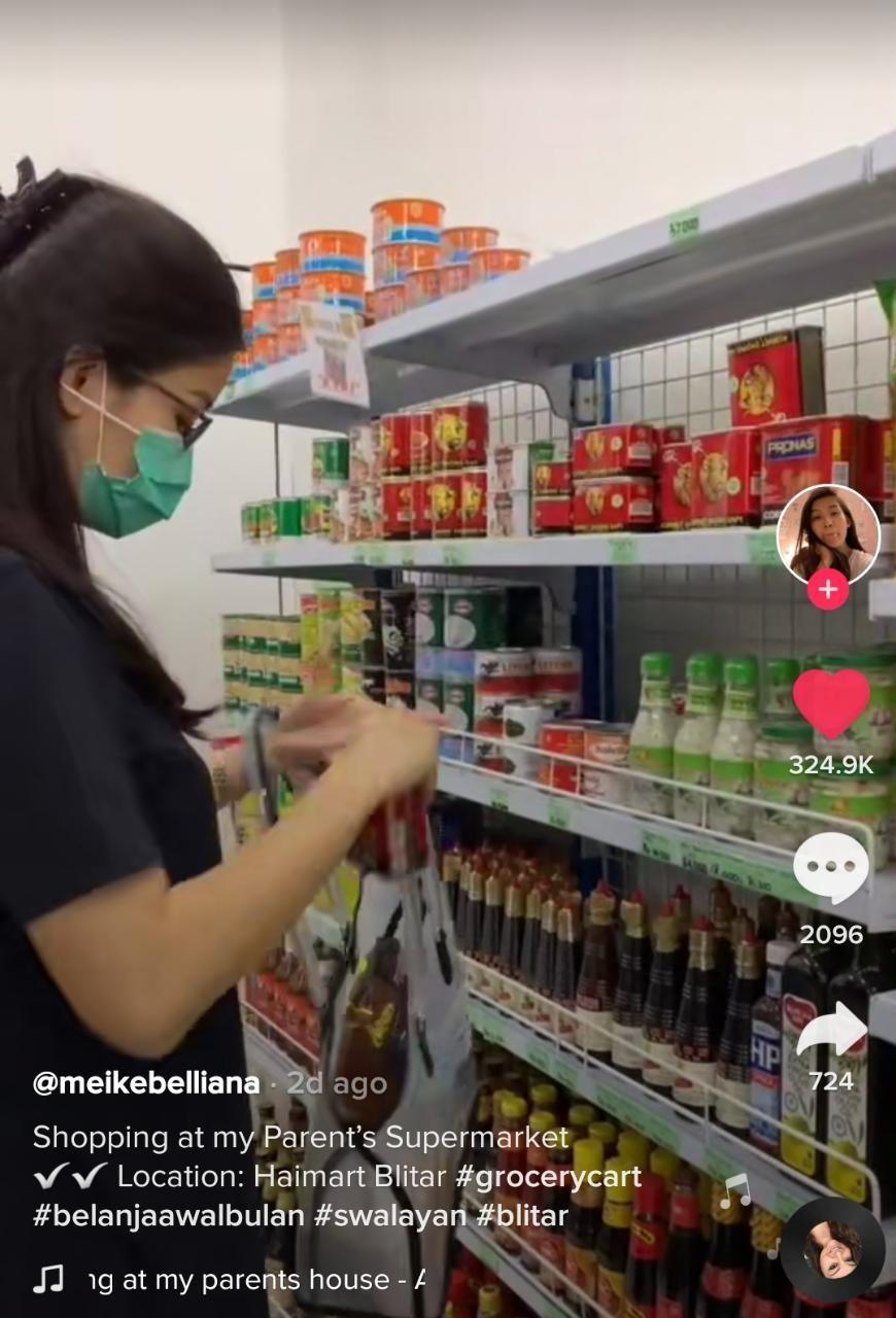 Bikin Iri! Netizen Ini Ambil Snack Gratis Sepuasnya di Supermarket Milik Ortunya