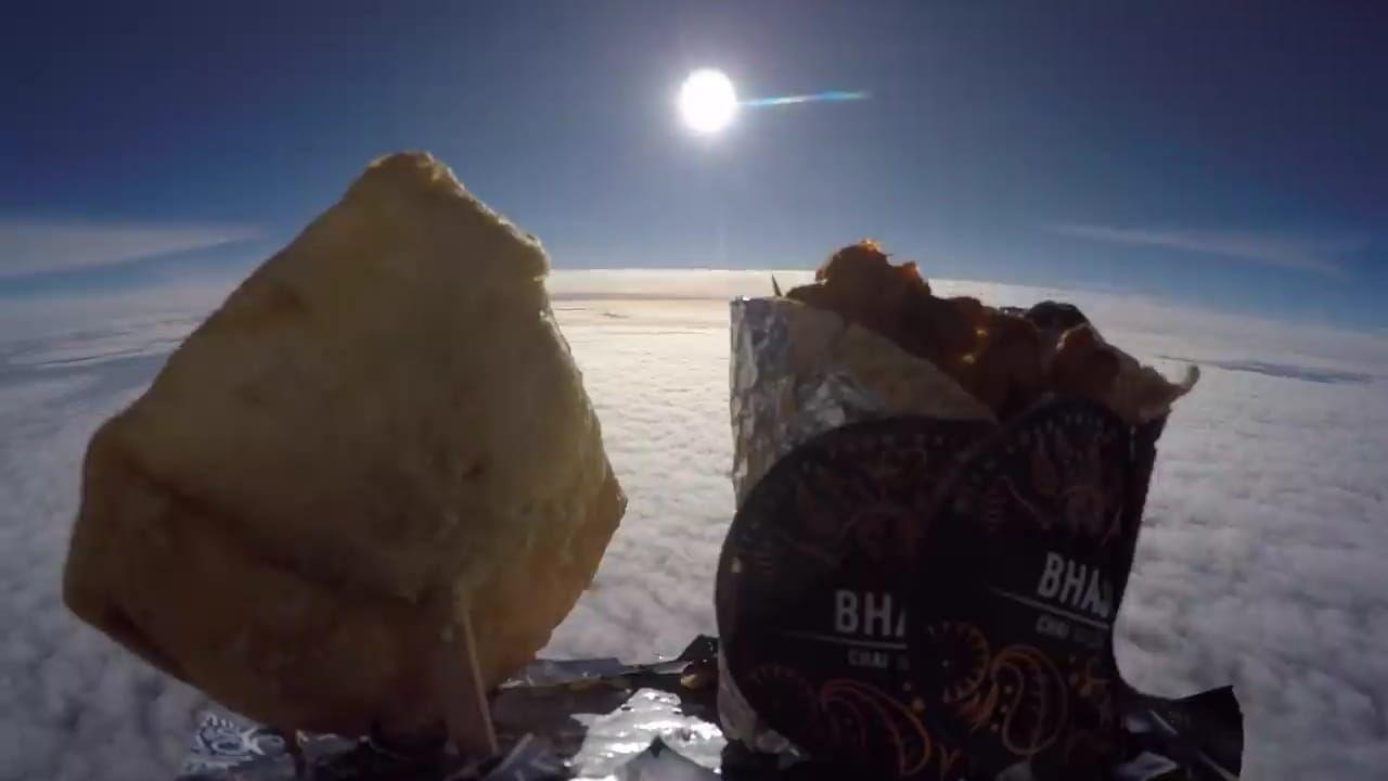 Diterbangkan 482 Km ke Luar Angkasa, Samosa Ini Jatuh di Prancis