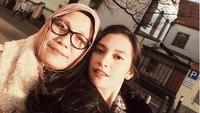 Cerita Sang Ibu di Malam Sebelum Indah Permatasari Dipersunting Arie Kriting