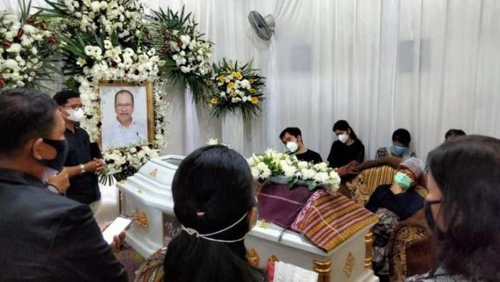 Jenazah Asner Silalahi disemayamkan di rumah duka, Jalan Sidamanik, Kecamatan Siantar Selatan, Kota Pematangsiantar.