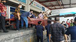 Jenazah Ekstra Kru Sriwijaya Air Fadly Satrianto Tiba di Bandara Juanda