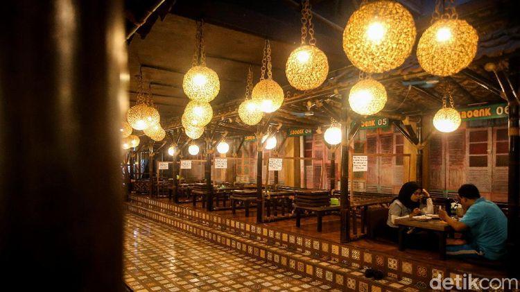 Jumlah Pengunjung Restoran Dibatasi Saat PPKM Jawa-Bali