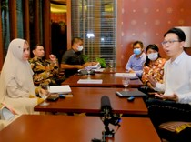 dr Richard Ingin Damai dengan Kartika Putri Asalkan...
