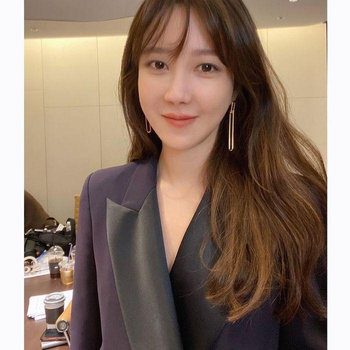 Lee Ji Ah, Bintang Drakor 'The Penthouse' yang Gemar Foto Makanan