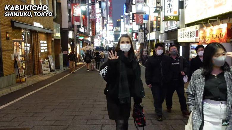 Maria Ozawa di Kabuki-cho, Tokyo, Jepang.
