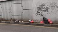 Duh! Sampah Tetap Dibuang di Jalanan Ciputat Meski Tong Sudah Tersedia