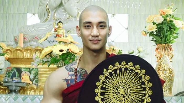 Paing Takhon, biksu ganteng asal Myanmar.